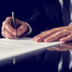 Как принимается решение о включении  аккредитованных органов в единый реестр?